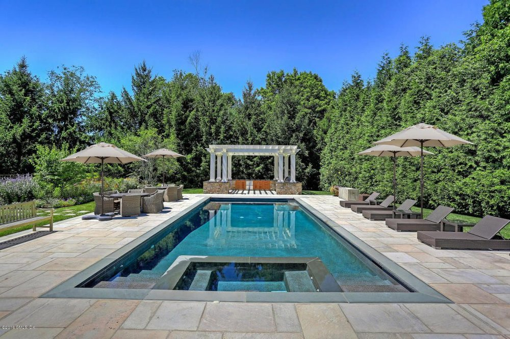 Improved pool