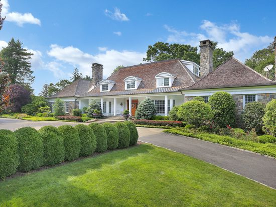 7 Old Mill Road has cut its price to  6.450 million from its opening offer  of  6.875. Perfectly nice house 91ab5f399
