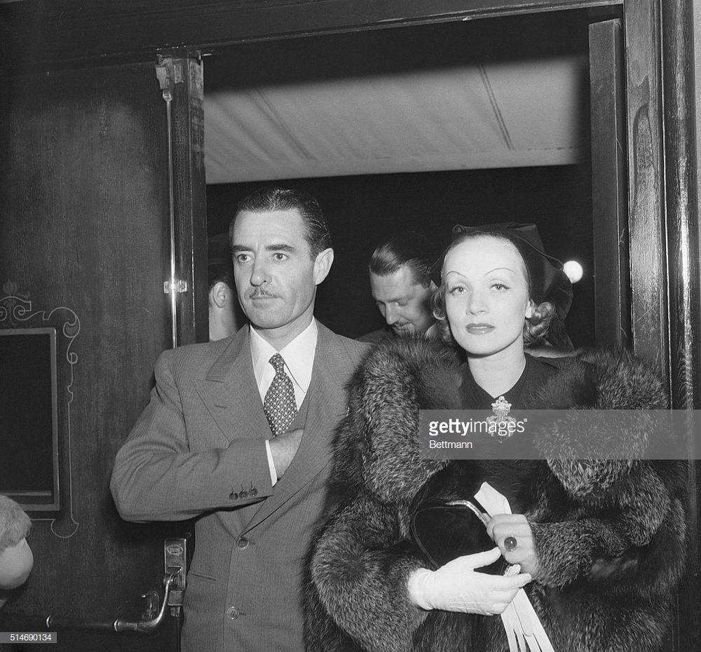 John Gilbert and Marlene Dietrich, 1933, oppressing the future Latinos of 2018