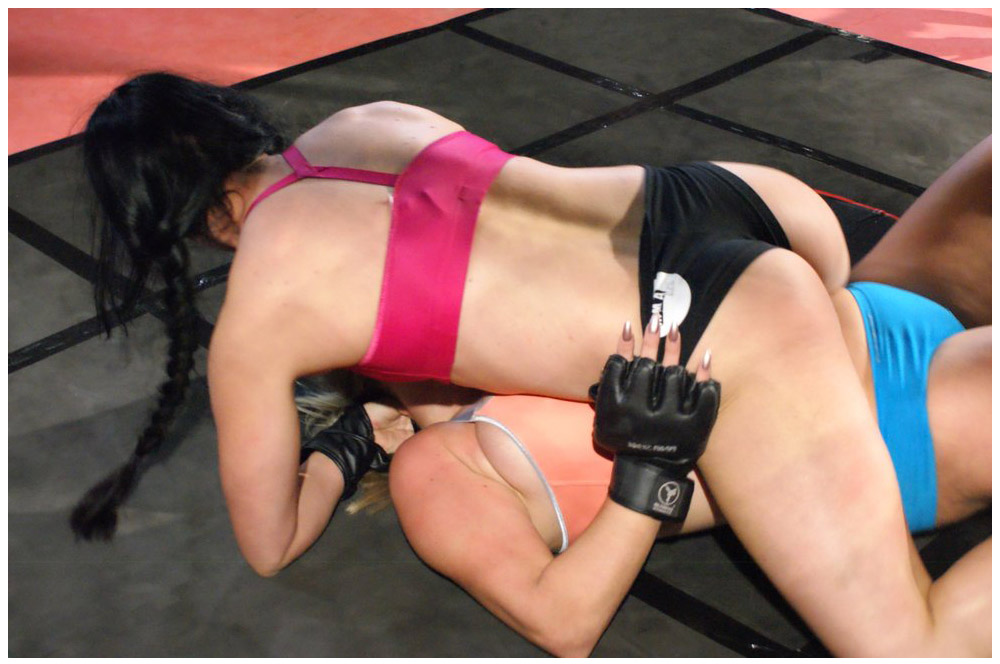 MMA-XXX catfight with Chloe Lovette and Victoria Summers. Photo credit: MMA-XXX.