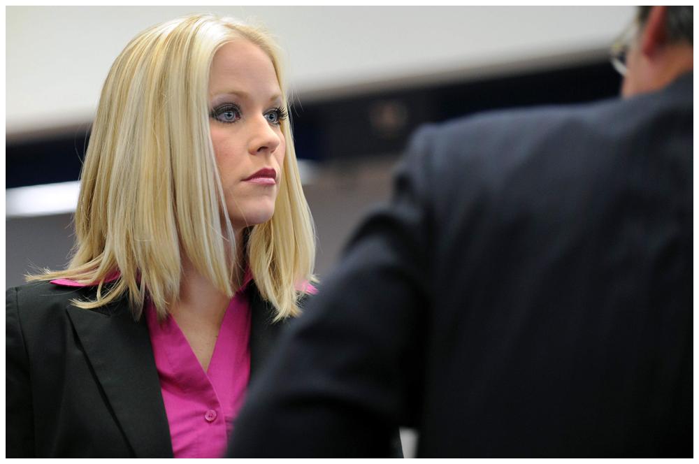 Supreme Court tribune file photo of infamous US Sex Offender Debra Lafave.