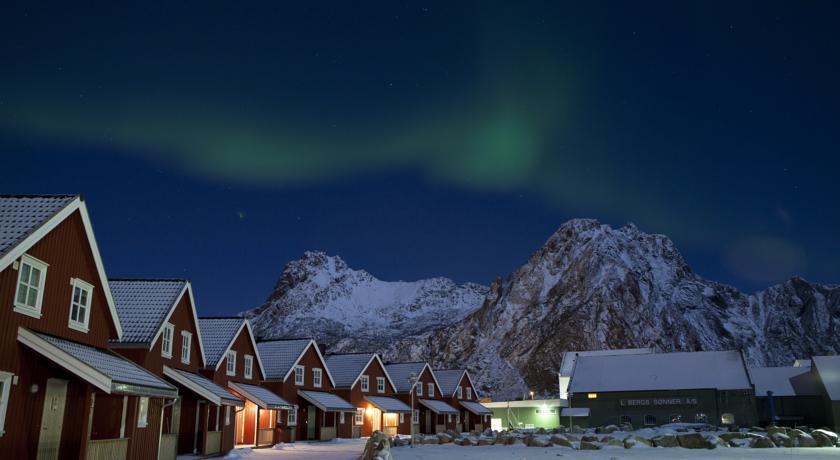 Svinøya Rorbuer Lofoten Norway