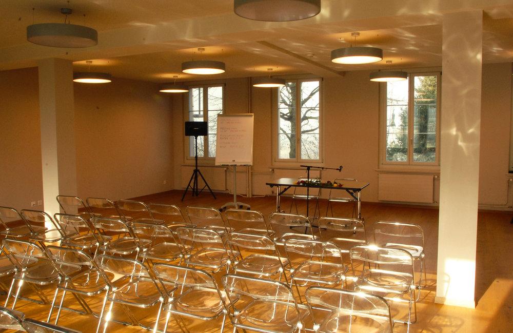 La salle Lotus peut accueillir des conférences et séminaires