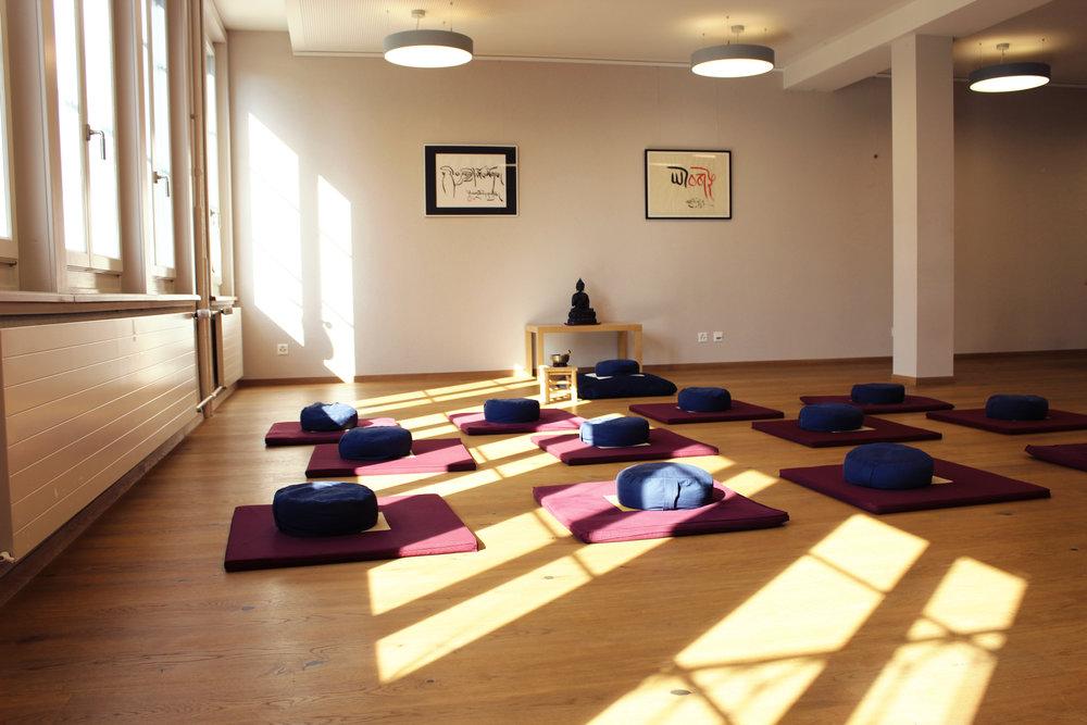 La salle Lotus peut accueillir les méditations