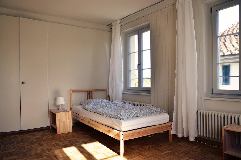 DIe Standardzimmer sind praktisch und gemütlich.