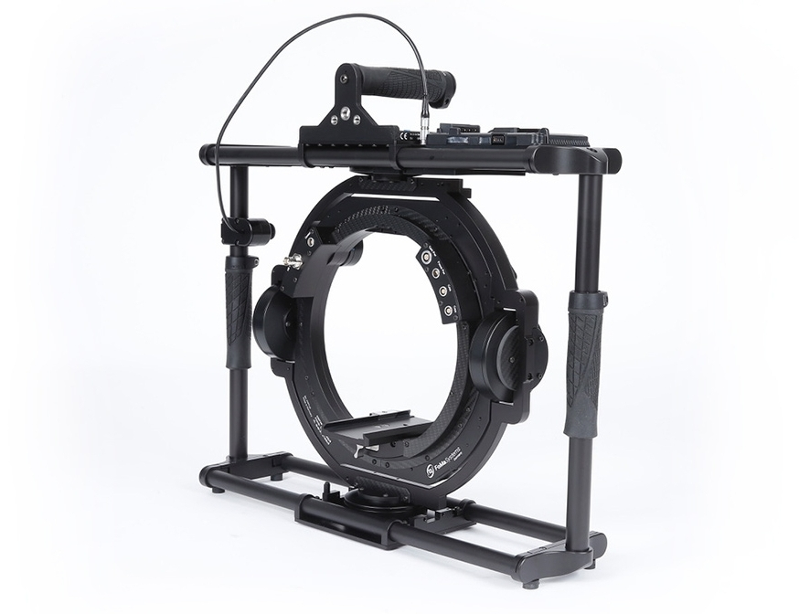 ARRI - MAXIMA MX30 The MAXIMA MX30 is a 3-axis electronically stabilized gimbal, suitable for a wide range of uses. With MAXIMA, the creativity of filmmakers is not limited by camera length or weight.