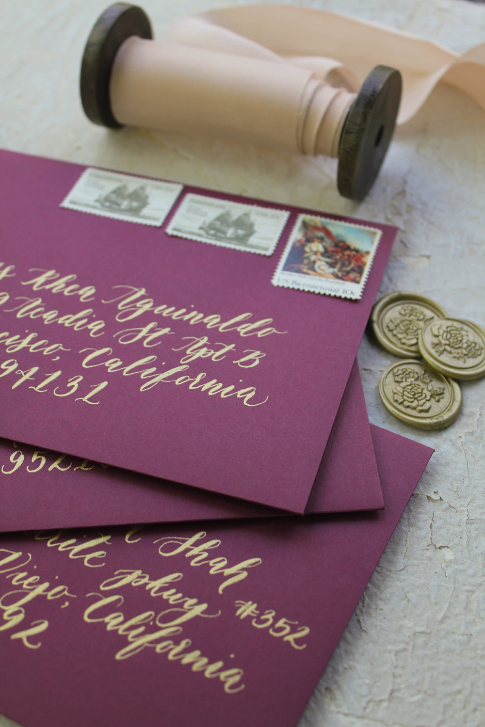 Such an elegant combination of colors and postage, don't you agree?!