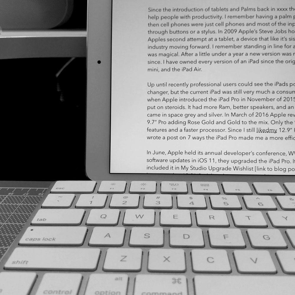iPad_Desk_3.jpg