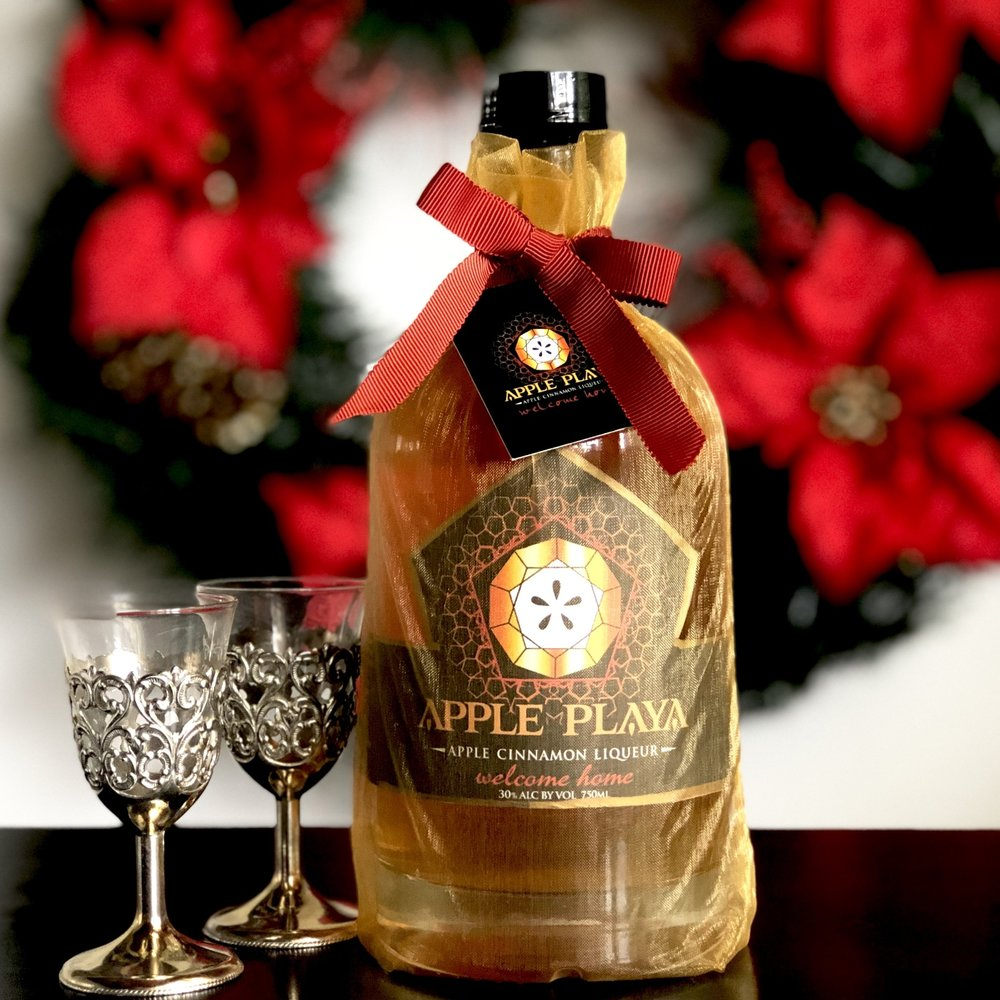 Apple Playa Liqueur - ApplePlaya.comA hostess gift that won't disappoint. Apple Playa Liqueur is a true fruit liqueur sweetened and flavored with real apple, then infused with cinnamon for a smooth, warm finish. Sip it straight, over ice, with tonic or prosecco. Cheers!