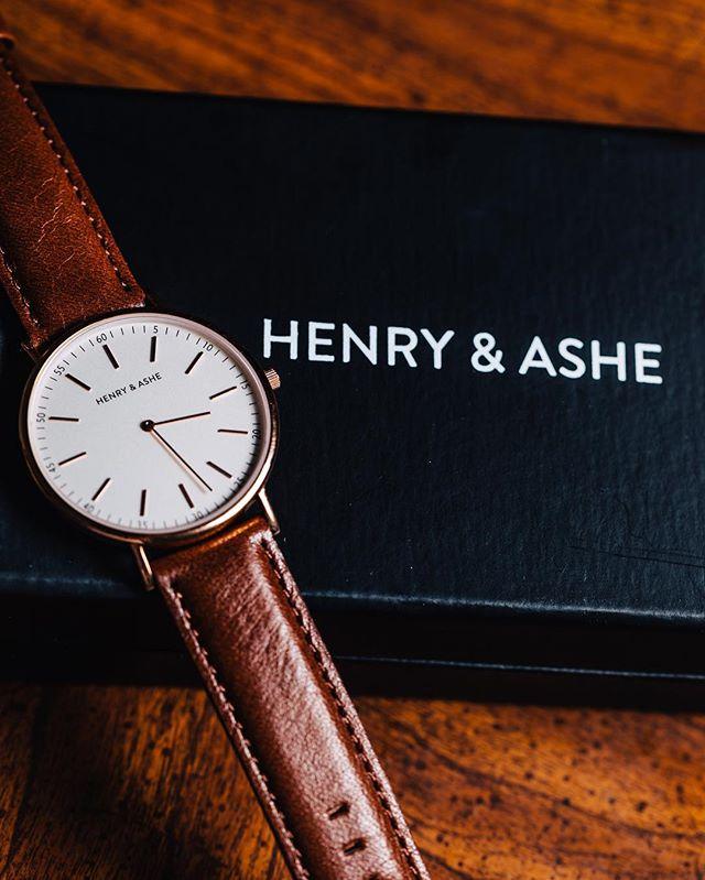 Unbox your new obsession.⌚️#henryandashe