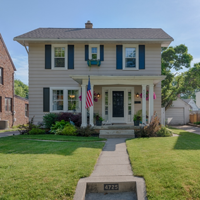 4725 Beaver Avenue - SOLD 7/21/16   Represented: Seller Days on Market: 3 Percentage List to Sales Price: 100.1% Sale Price:  $125,000