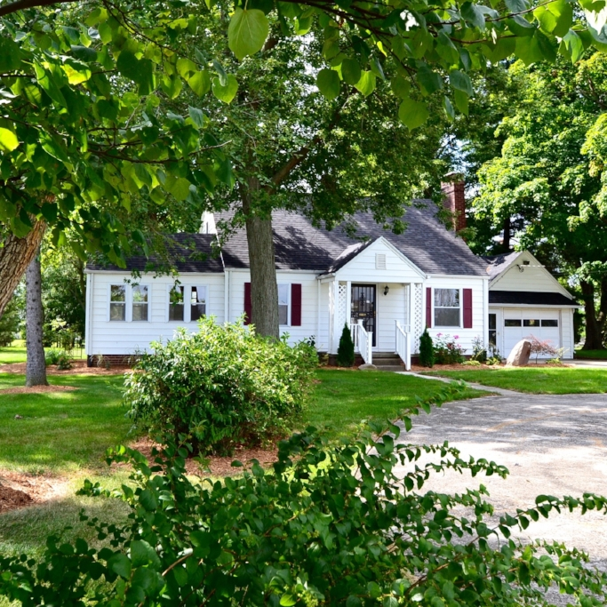611 Wallen Road - SOLD 3/4/16   Represented: Seller Days on Market: 148 Percentage List to Sales Price: 100% Sale Price:  $129,900