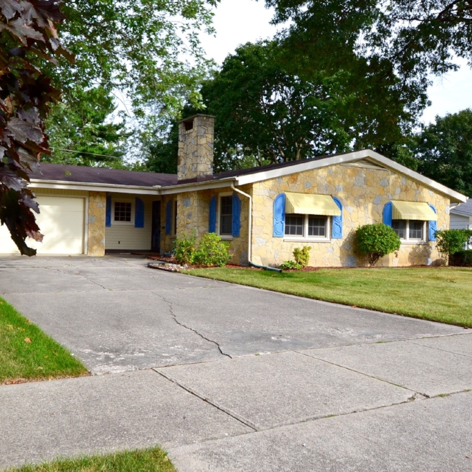 5211 Old Mill Road -  SOLD 1/15/16   Represented: Both Days on Market: 58 Sale Price:  $105,600