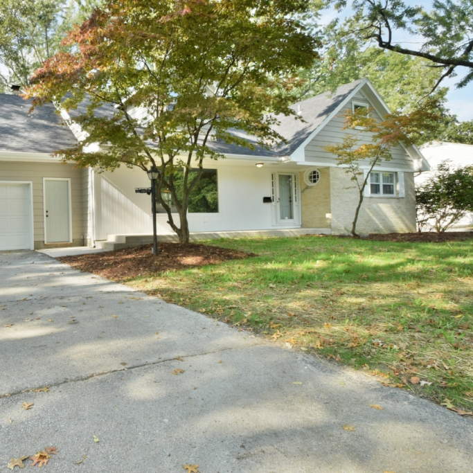 3121 Inwood Drive - SOLD 11/25/16   Represented: Both Days on Market: 0 Sale Price:  $162,500