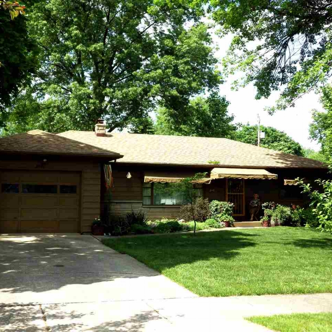 2901 Charlotte Avenue - SOLD 8/7/15   Represented: Buyer List Price: $79,900 Sale Price:  $79,000 Negotiated from Price: $0