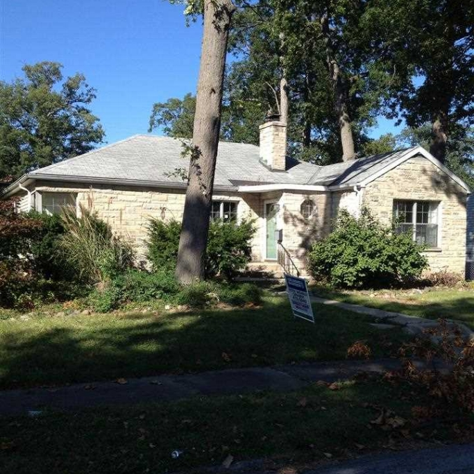 2301 Kenwood Avenue- SOLD 2/12/14   Represented: Buyer List Price: $43,000 Sale Price:  $34,500 Negotiated from Price: $8,500