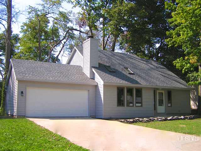 9905 Mustang Drive - SOLD 10/24/12   Represented: Seller Days on Market: 59 Percentage List to Sales Price: 97% Sale Price:  $97,000