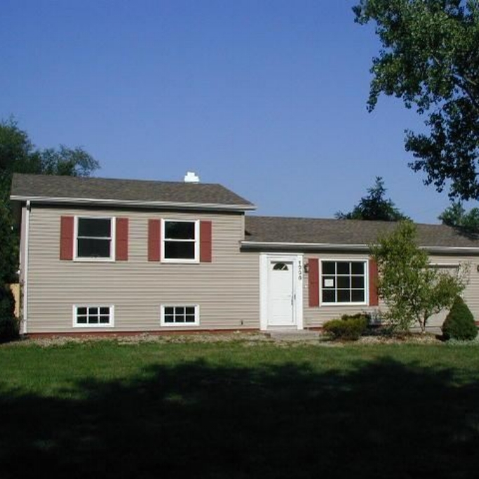1236 Glendale Drive -  SOLD 10/4/12   Represented: Buyer List Price: $79,900 Sale Price:  $81,900