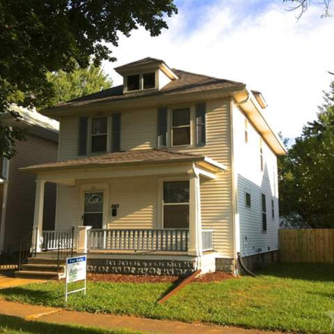 543 Kinsmoor Avenue - SOLD 10/4/12   Represented: Seller Days on Market: 180 Percentage List to Sales Price: 93% Sale Price:  $55,000
