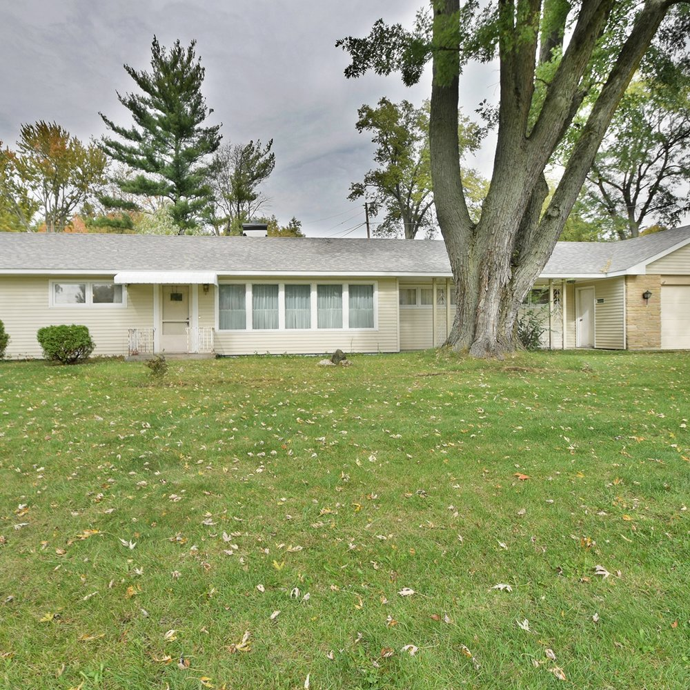 1010 W Pettit Avenue - SOLD 3/24/17   Represented: Seller Days on Market: 116 Percentage List to Sales Price: 95% Sale Price: $85,500