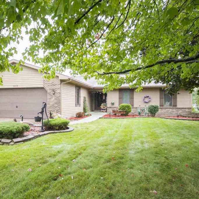3605 Scarborough Drive - SOLD 3/24/17   Represented: Buyer List Price: $165,500  Sale Price: $165,500 Negotiated From Price: $0