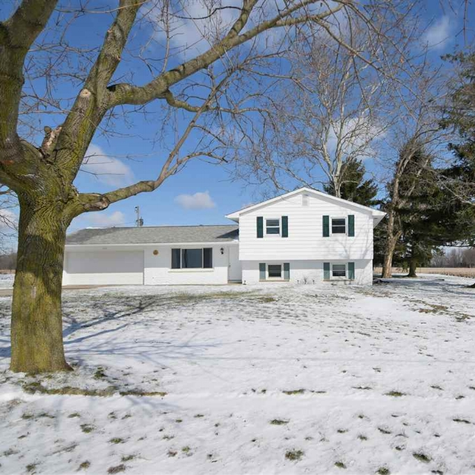 340 W Ferguson Road - SOLD 4/14/17   Represented: Seller Days on Market: 2 Percentage List to Sales Price: 97% Sale Price: $109,500