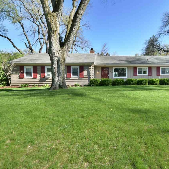 1036 W Pettit Avenue - SOLD 5/18/17   Represented: Seller Days on Market: 1 Percentage List to Sales Price: 100% Sale Price: $129,900