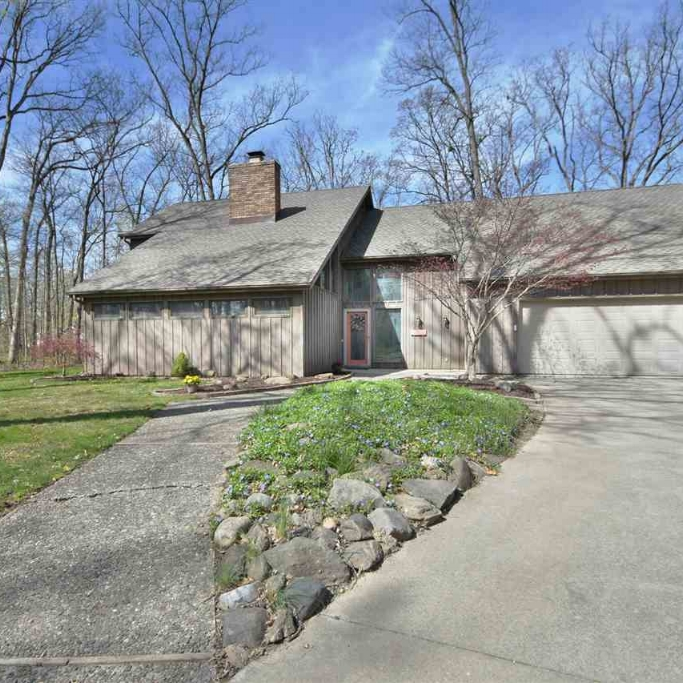 5016 McMaken Drive - SOLD 6/9/17   Represented: Seller Days on Market: 13 Percentage List to Sales Price: 101% Sale Price: $227,500