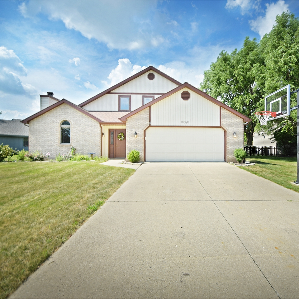 10020 Teton Court - SOLD 9/11/17   Represented: Seller Days on Market: 9 Percentage List to Sales Price: 97% Sale Price:  $141,000