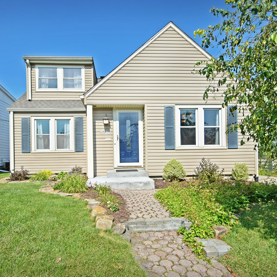 4710 Tacoma Avenue - SOLD 10/12/17   Represented: Seller Days on Market: 56 Percentage List to Sales Price: 94.5% Sale Price: $119,900