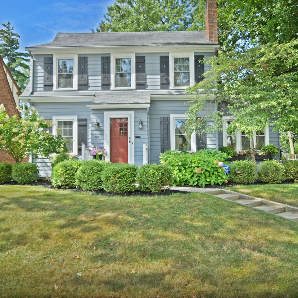 1251 Maxine Drive - SOLD 10/24/17   Represented: Seller Days on Market: 2 Percentage List to Sales Price: 100% Sale Price: $174,900