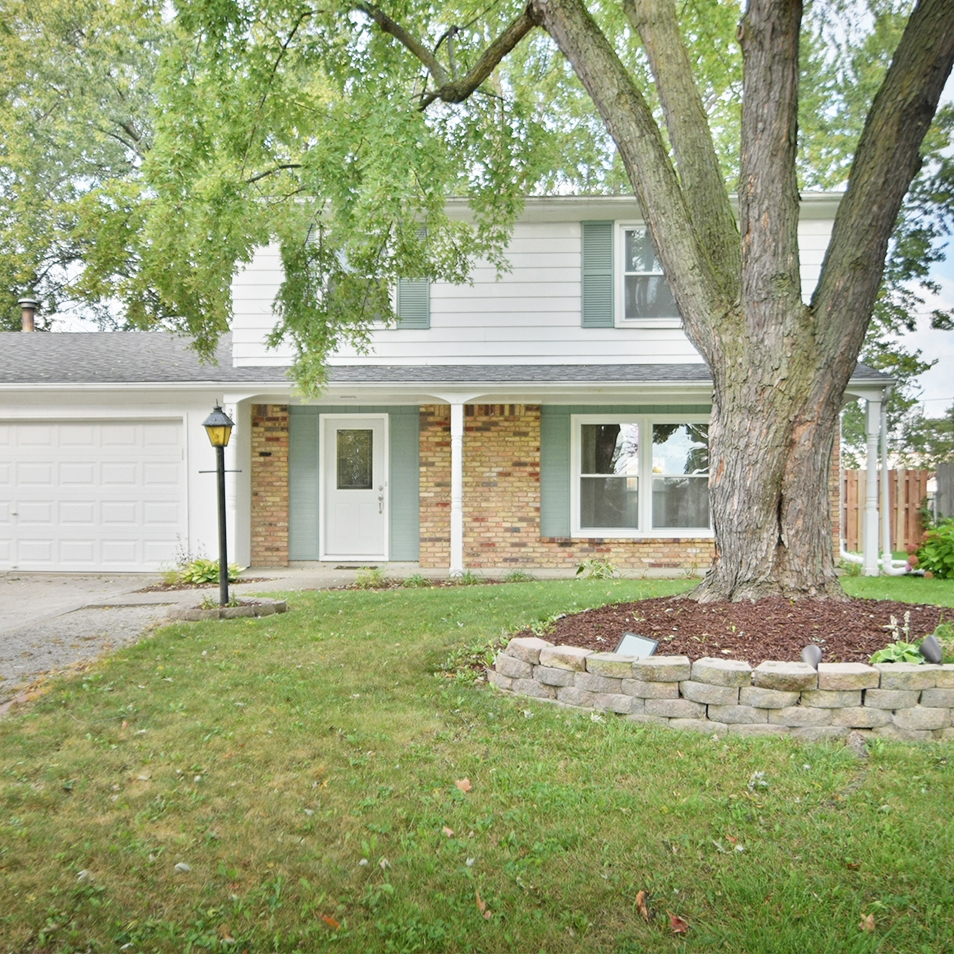 2323 Forest Valley Drive - SOLD 11/2/17   Represented: Seller Days on Market: 3 Percentage List to Sales Price: 101.5% Sale Price:  $121,700