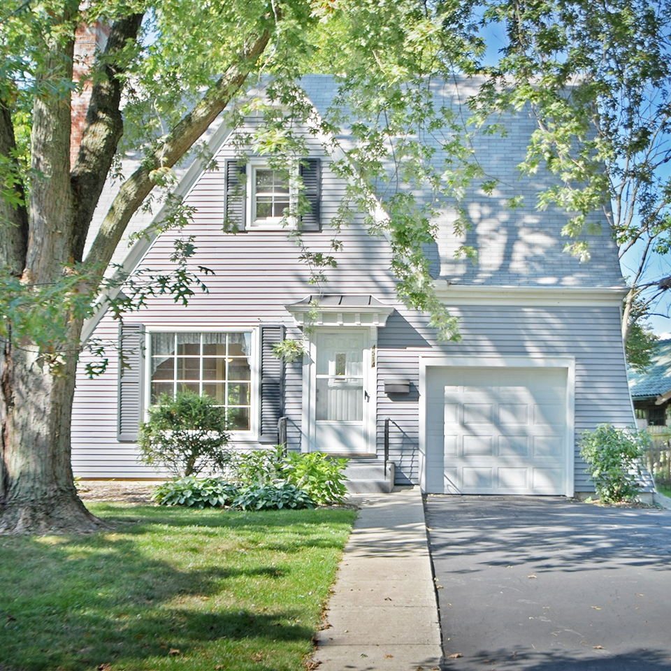 4514 Beaver Avenue - SOLD 12/12/17   Represented: Seller Days on Market: 63 Percentage List to Sales Price: 96% Sale Price:  $130,000