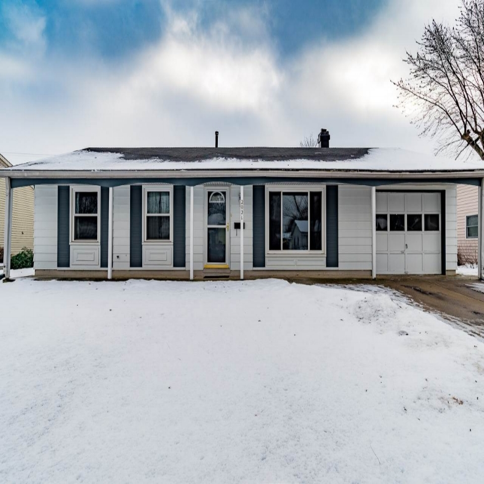 2021 St Louis - SOLD 3/9/18   Represented: Seller Days on Market: 12 Percentage List to Sales Price: 95% Sale Price: $95,000