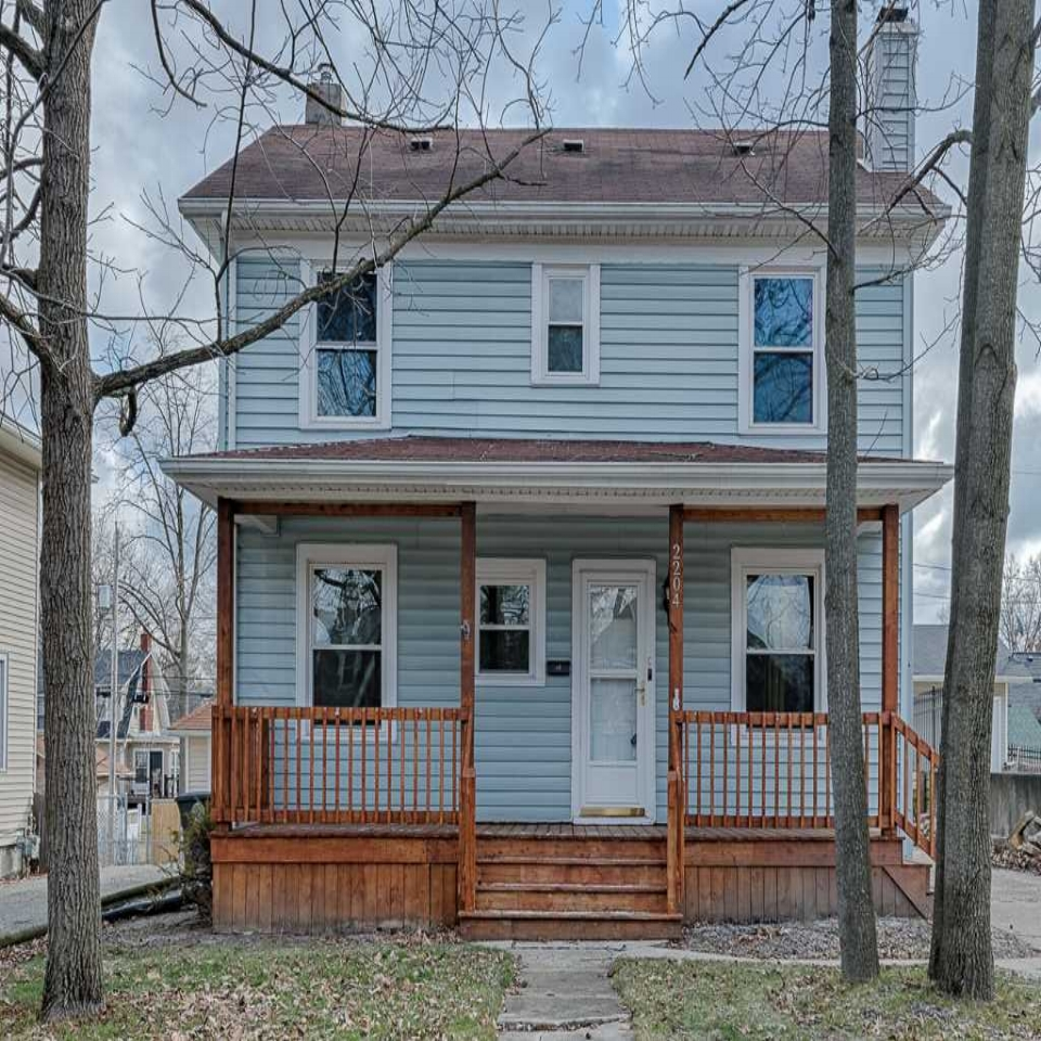 2204 N Anthony - SOLD 4/27/18   Represented: Seller Days on Market: 4 Percentage List to Sales Price: 100% Sale Price: $105,000