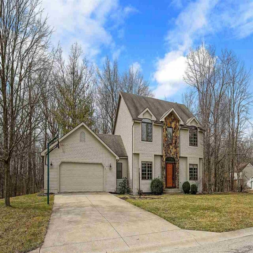 8633 Castle Creek - SOLD 5/10/18   Represented: Buyer List Price: $249,900 Sale Price: $255,000
