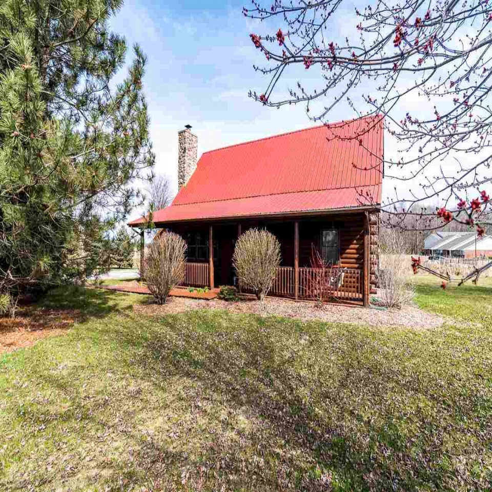 9434 Maysville - SOLD 6/28/18   Represented: Seller Days on Market: 39 Percentage List to Sales Price: 94% Sale Price: $215,000