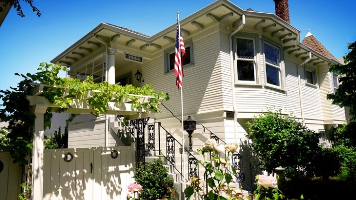 1333 Weber Street, Gold Coast, Alameda   Listed for $1,295,000  REPRESENTED THE BUYER