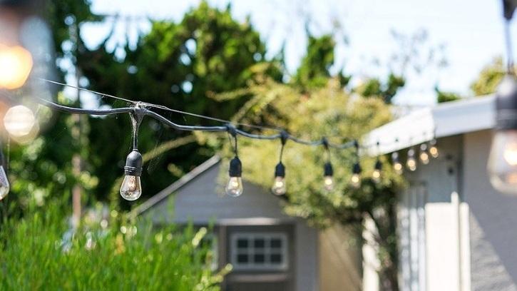 600 Everett Street, El Cerrito  Listed for $598,000 | 5 offers  REPRESENTED THE SELLER:   www.600Everett.com