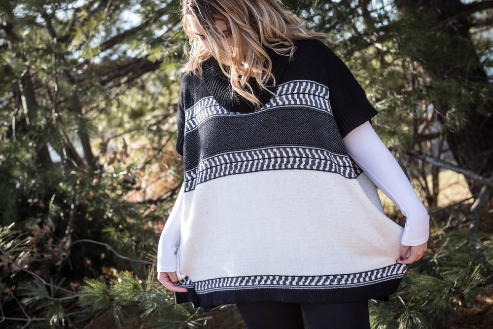 Popping Ladies' Poncho Sweater Look 7