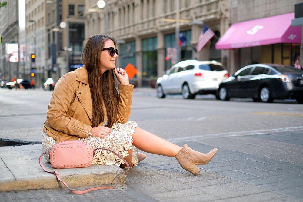 Taylor Frosch: Bringing Seasonal Texas Fashion 6