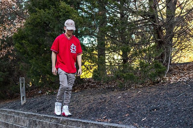 The visuals 🔥 New posts in the bio. . . . . . . . . . . . . #saintlouis #cardinals #baseball #jordan13s #mensstreetstyle #mensstreetwear #springfashion #mensfashionblog #mensfashionposts #fashionblogs #newpost #canonphotography #portraitphotography #portraitgame #newjersey