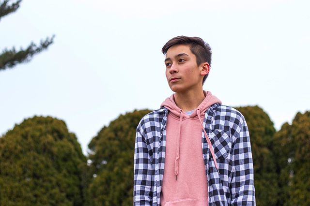 Flannels and Hoodies. 🔥 Can't go wrong with some casual street wear. Read our latest style posts at paulo paradox.com (Link in bio). . . . . . . . . . . . . . #pinkhoodie #salmonpink #flannel #flannelshirt #checkers #winterstyle #portraitphotography #portrait #fashionblog #fashionblogger #mensfashion #menswear #ootdmen #ootdfashion #streetwear #streetphotography #streetwear