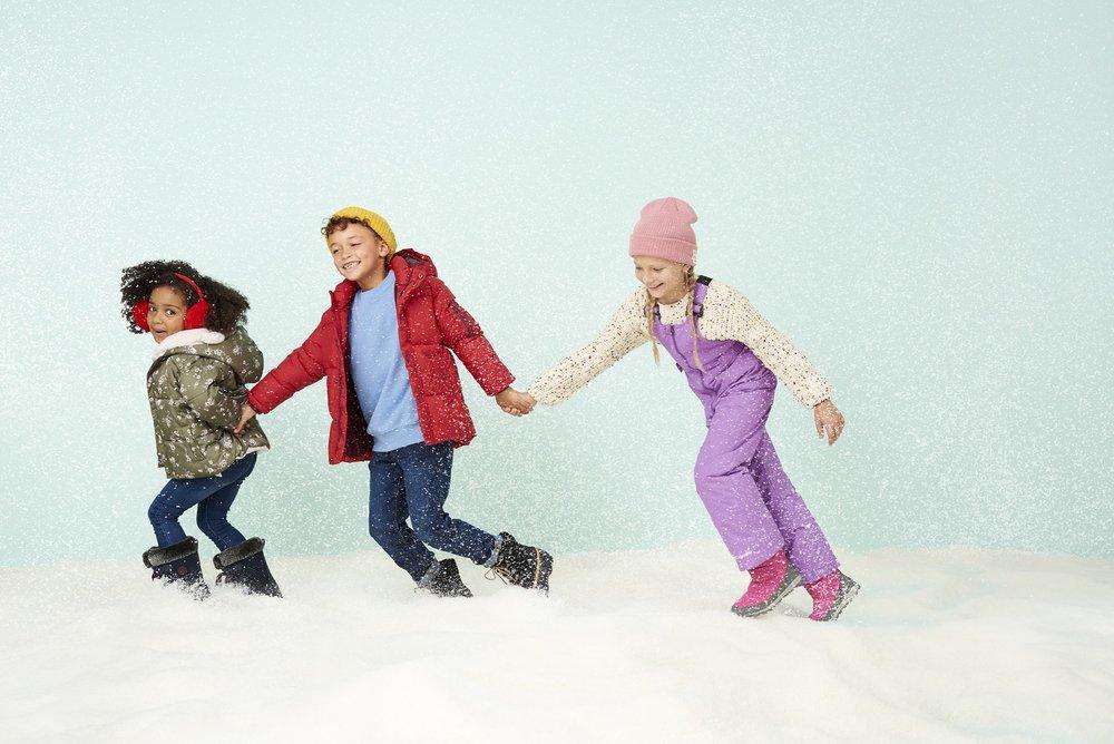 Holiday18_Campaign_Kids_Snow_154_1991eBay_B_ADOBERGB.jpg