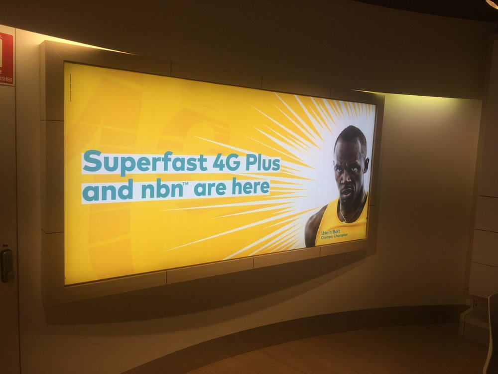 Optus slim light box