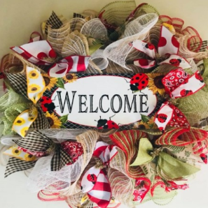 - Join us for a great time making a springthemed wreath (example shown at right)!This class will be a creative and sociallystimulating crafting experience! Havesome fun and leave with some doorbling! This is a simple craft that looks likeyou put hours into making it. Simple,easy and fun!
