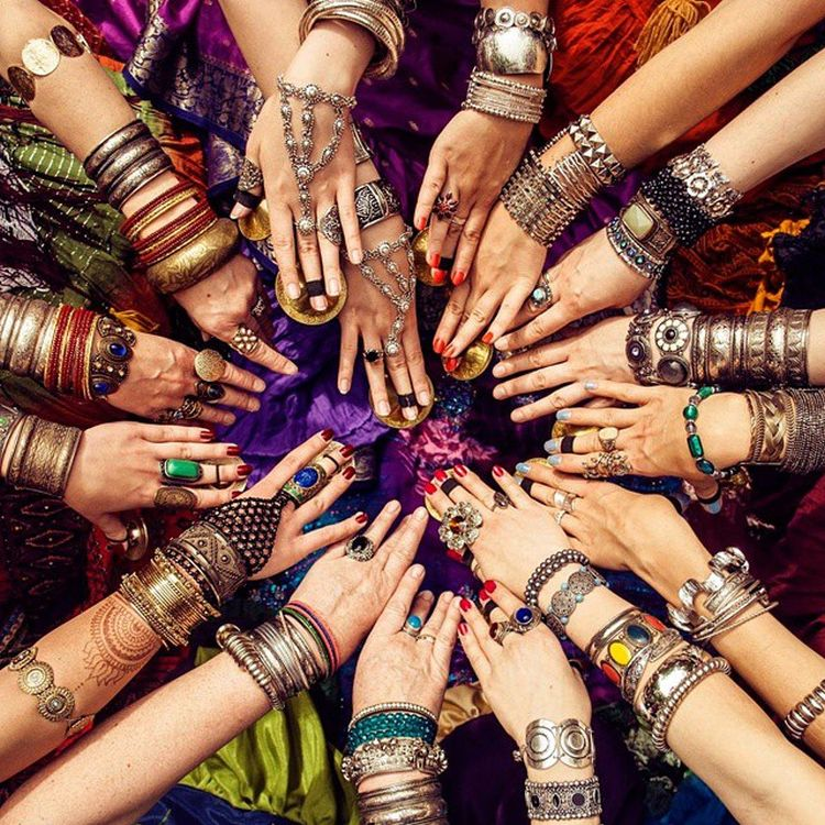 Sisterhood-Agenda-Sisterhood-Manifesto-Many-Hands.jpg