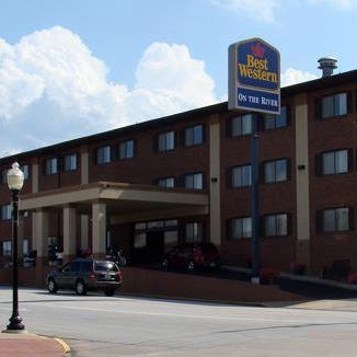 Best Western on the River - 01 N 3rd St,Hannibal, MO 63401(573) 248-1150