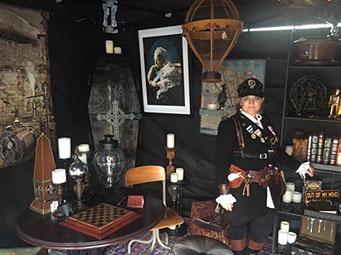 Photo courtesy of www.BigRiverSteampunkFestival.com