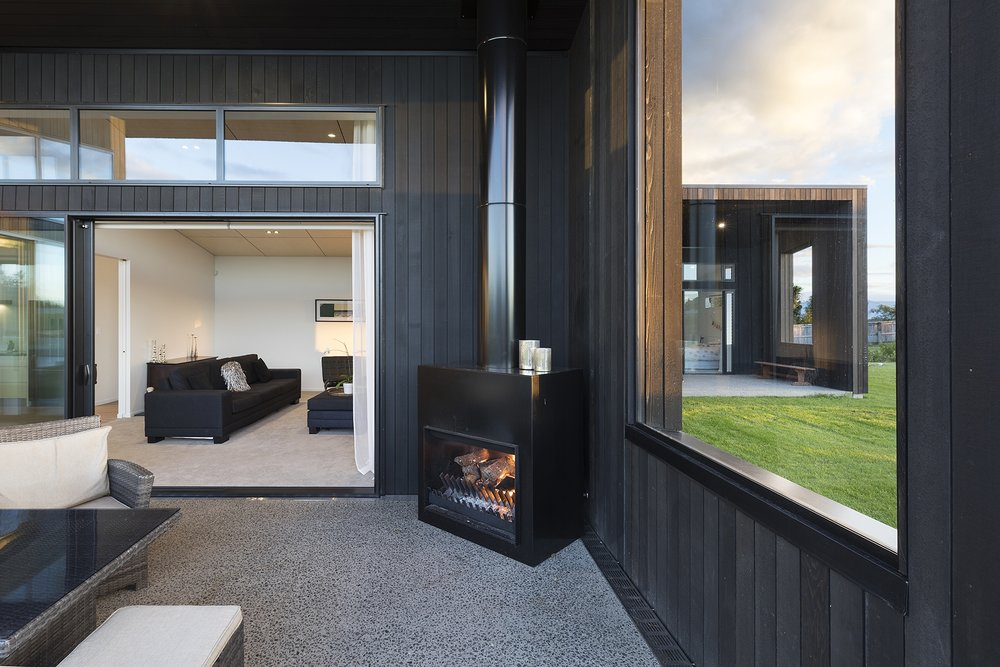 Insight_Tauranga_New_Home_Outdoor_Fire.jpg